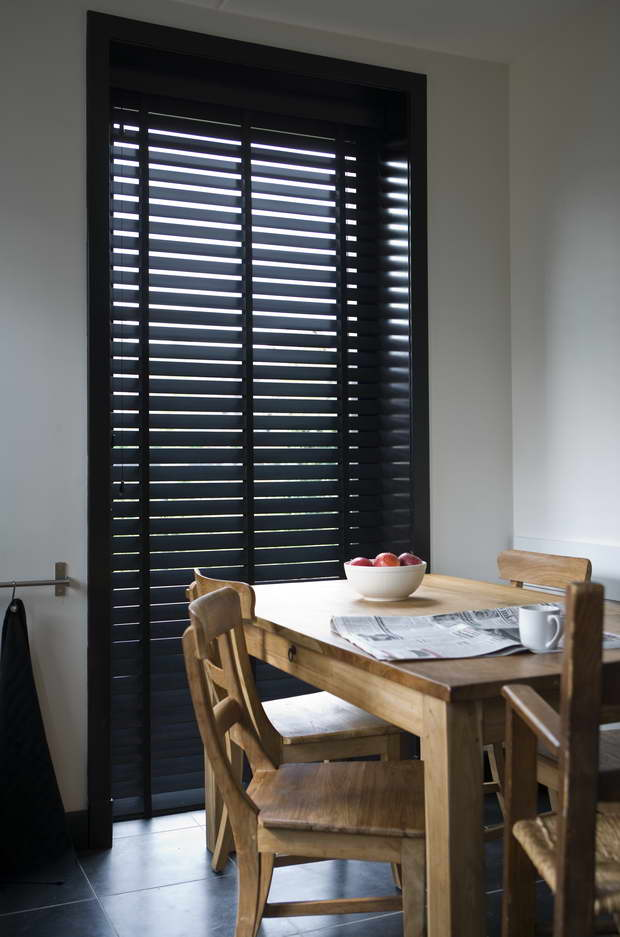 jasno shutters ma gefertigte innenfensterl den aus holz. Black Bedroom Furniture Sets. Home Design Ideas