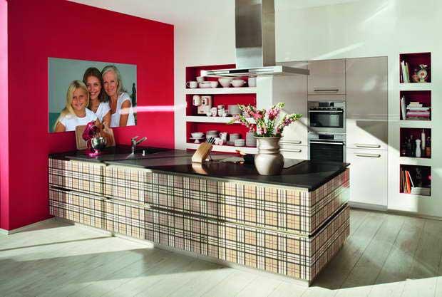 fashion inspired kitchen,checkered kitchen decor,feminine home decorating ideas,feminine kitchen design,kitchen design ideas,